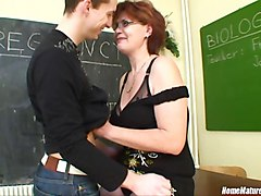 Biology class gets so practical with a horny chubby mom!