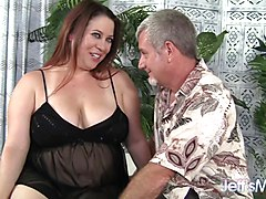 Sexy MILF Rubee gets her plump pussy filled