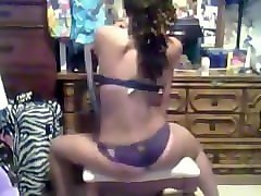ebony teen twerking. noemi live on 1fuckdate.com