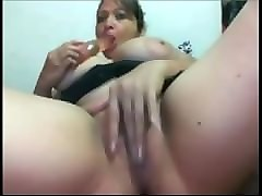amateur mom having fun snapwhores.com