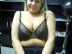 one cute fluffy webcam milf off her big natural tits