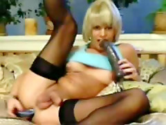 Blonde Transexual Webcam Show